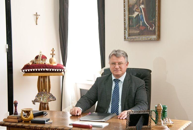A FehérVár c. hetilap interjúja Törő Gábor megyei közgyűlési elnökkel